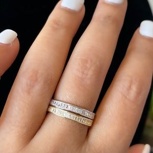 covermeblack Jewelry - Solitaire bands
